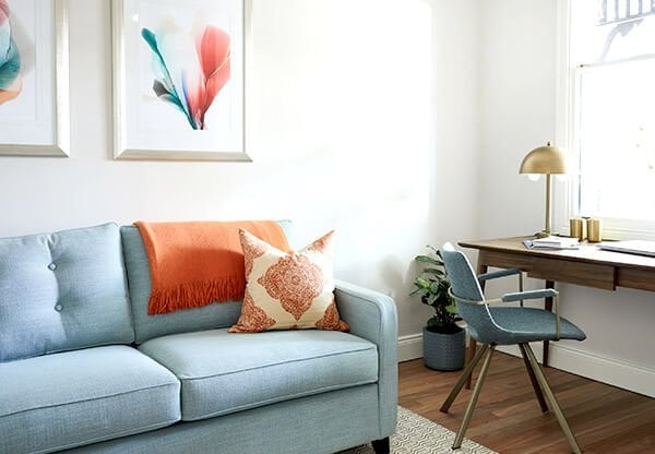 Interview with Smartspace Interiors Designer Anoushka and The Rug Collection with flatweave rug under couch