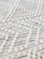 Zigo moroccan inspired flatweave rug in pure wool in detail
